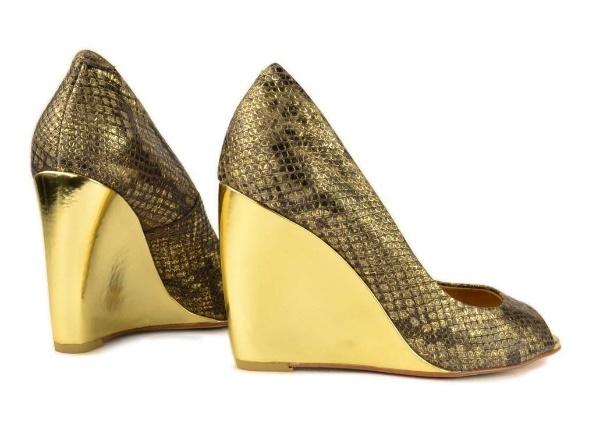 1e1200a2f И хочется сделать акцент на том, что обувь на платформе может прекрасно  адаптироваться в разных стилевых решениях.